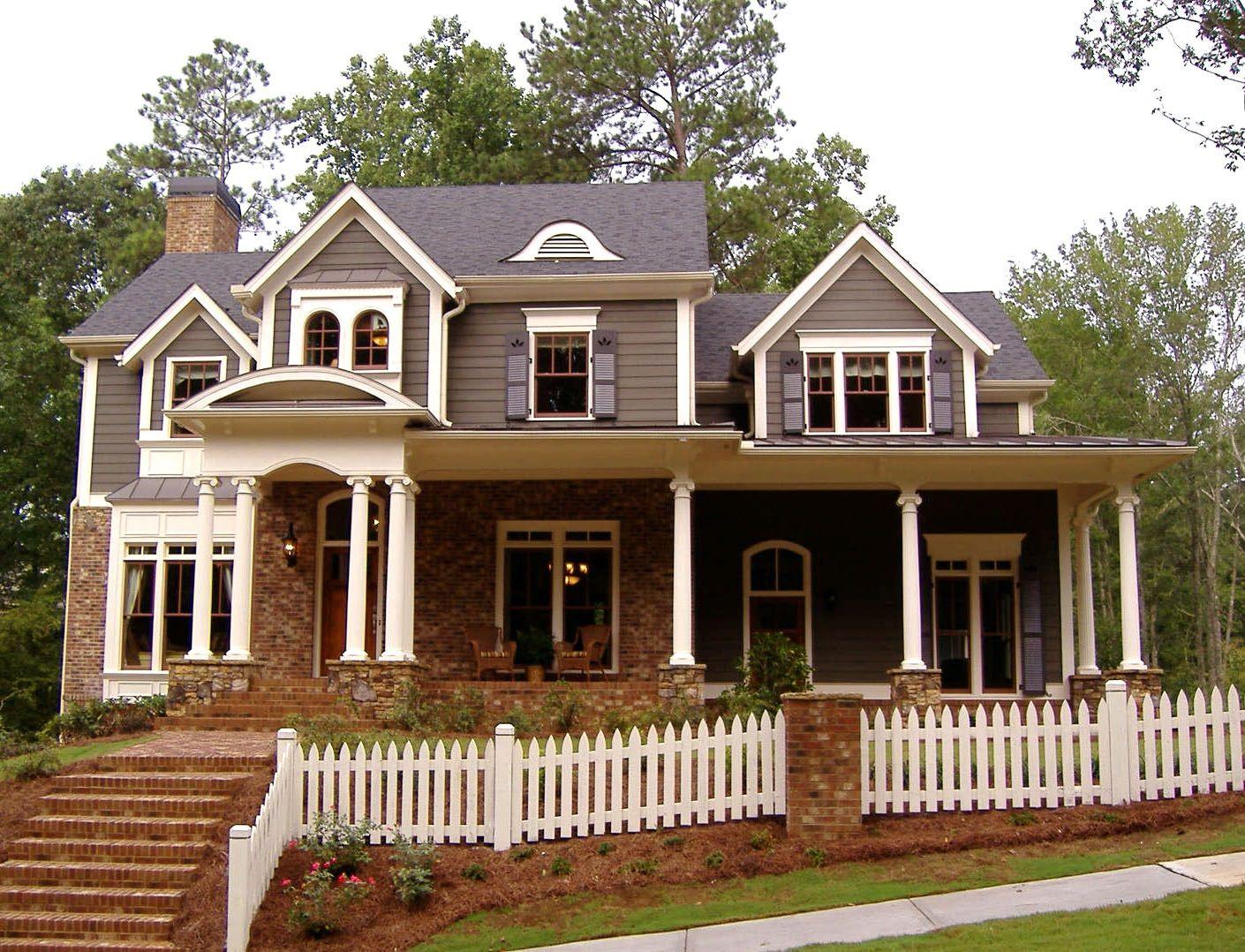 Foto De Casa Americana De Madera Y Ladrillo Visto Craftsman House Renting A House Home