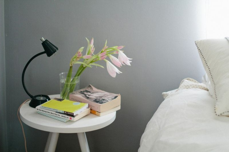 INSPIRATION Archives - BLEUBIRD. Wall colour + white bedding