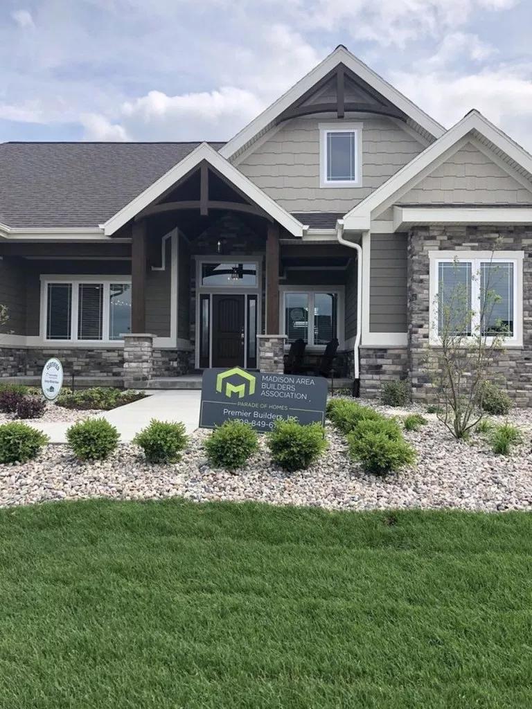 50 Gorgeous Cottage House Exterior Design Ideas For 2019 2020 Houseexteriordesignideas House Paint Exterior Cottage House Exterior House Designs Exterior