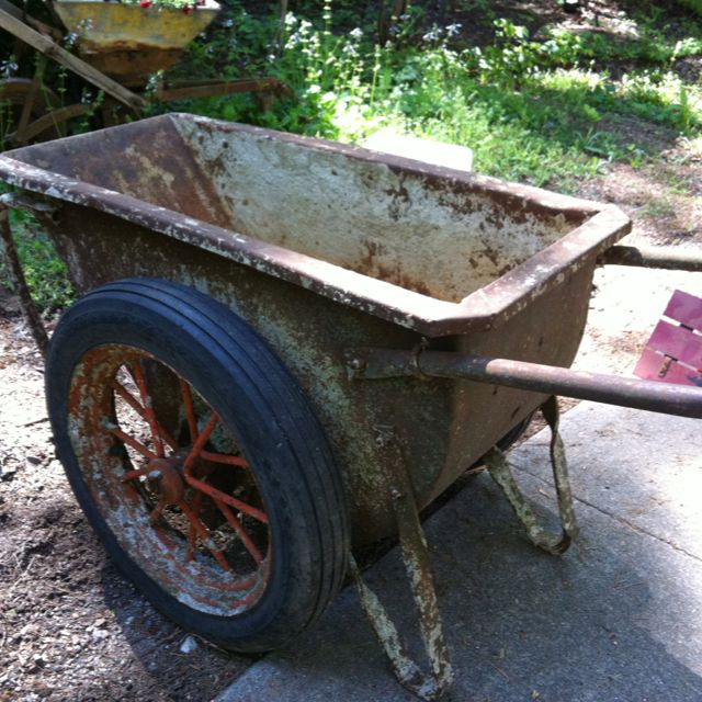 Old Georgia buggy  Used to transport concrete  Now it will