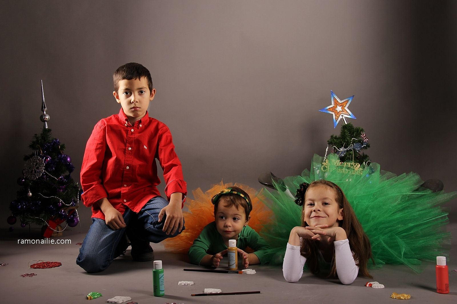 Photo Session for Christmas - Aari, Elise & Sara ♥