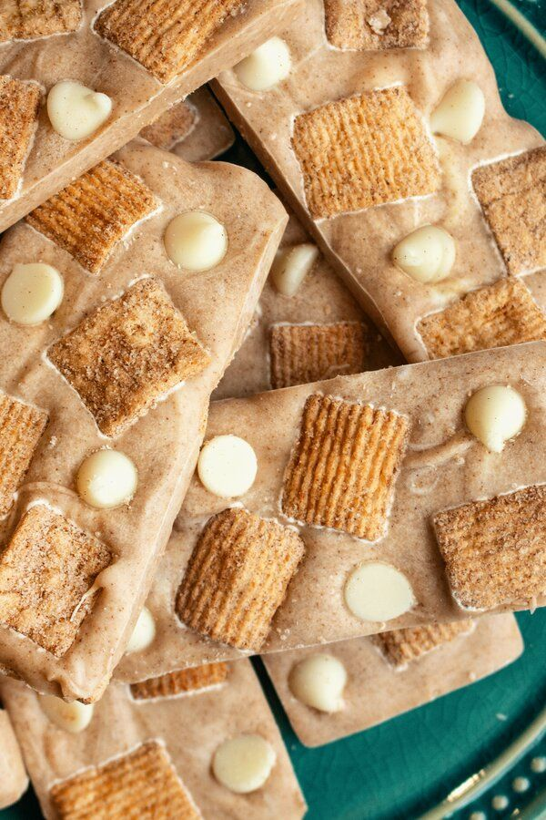 White Chocolate-Cinnamon Toast Crunch Bars