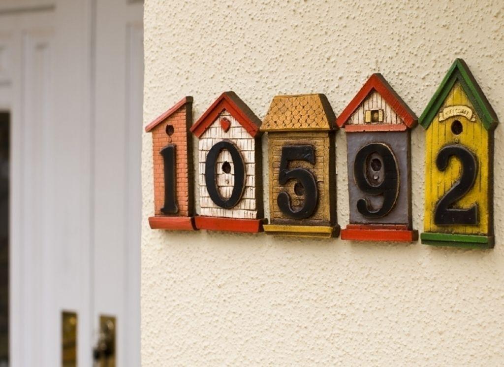 Dekorative Hausnummer Schilder #Badezimmer #Büromöbel #Couchtisch ...