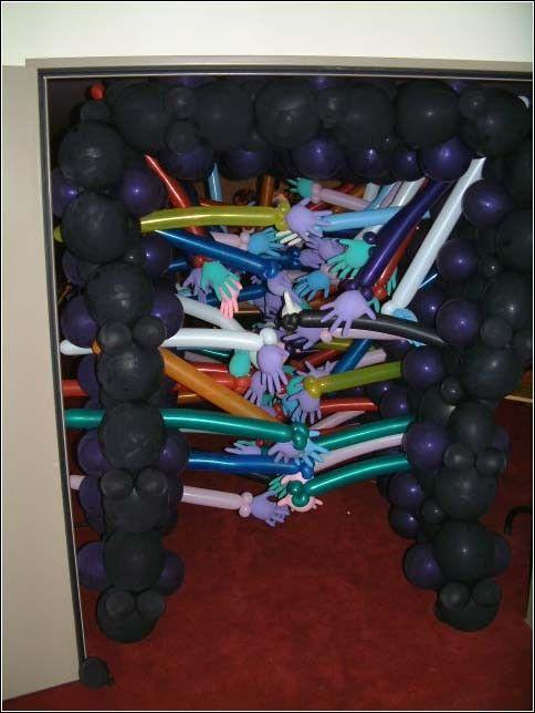 Now this is one creepy gauntlet #balloons Halloween Dance/Party - halloween dance ideas