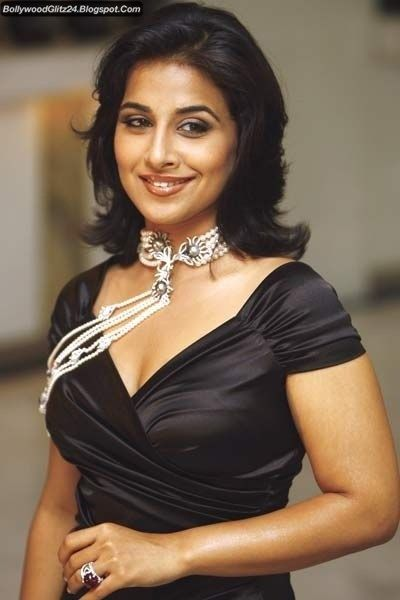 All Wallpapers Free Download Hot Sizzling Pictures Of Vidya Balan
