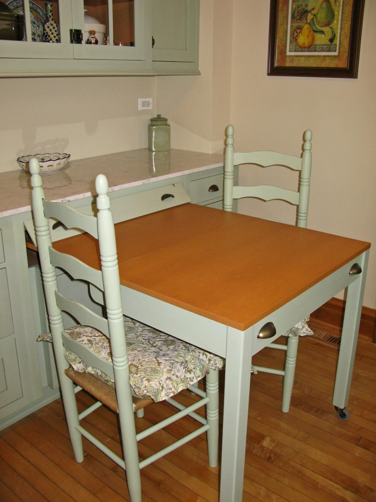 Kitchen Island Table Ideas and Options + HGTV Pictures ...