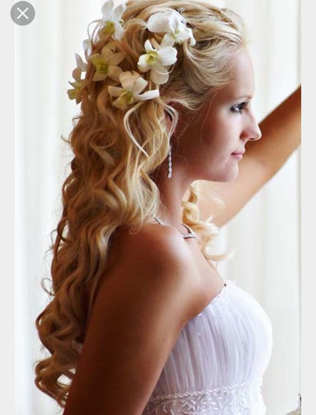 Pin By Nani Ku Uipo On Noelani S Hawaiian Wedding 18 Wedding Hairstyles For Long Hair Wedding Hairstyles Hair Styles