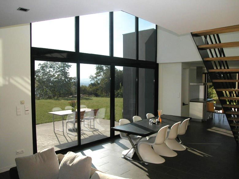 Maison contemporaine 8 195 m 2006 architecte maison for Architecte maison contemporaine lyon