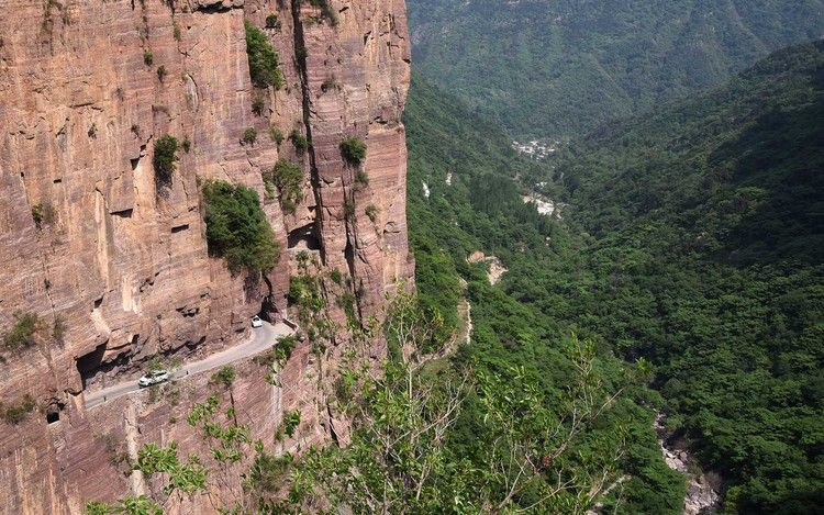 These Are the Craziest Roads in the World Scenic roads