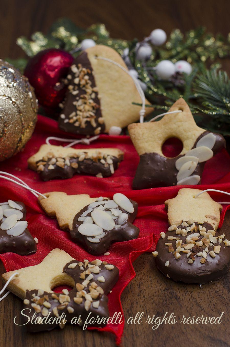 Giallo Zafferano Biscotti Di Natale.Ricetta Biscotti Di Natale Da Appendere All Albero Al Cioccolato