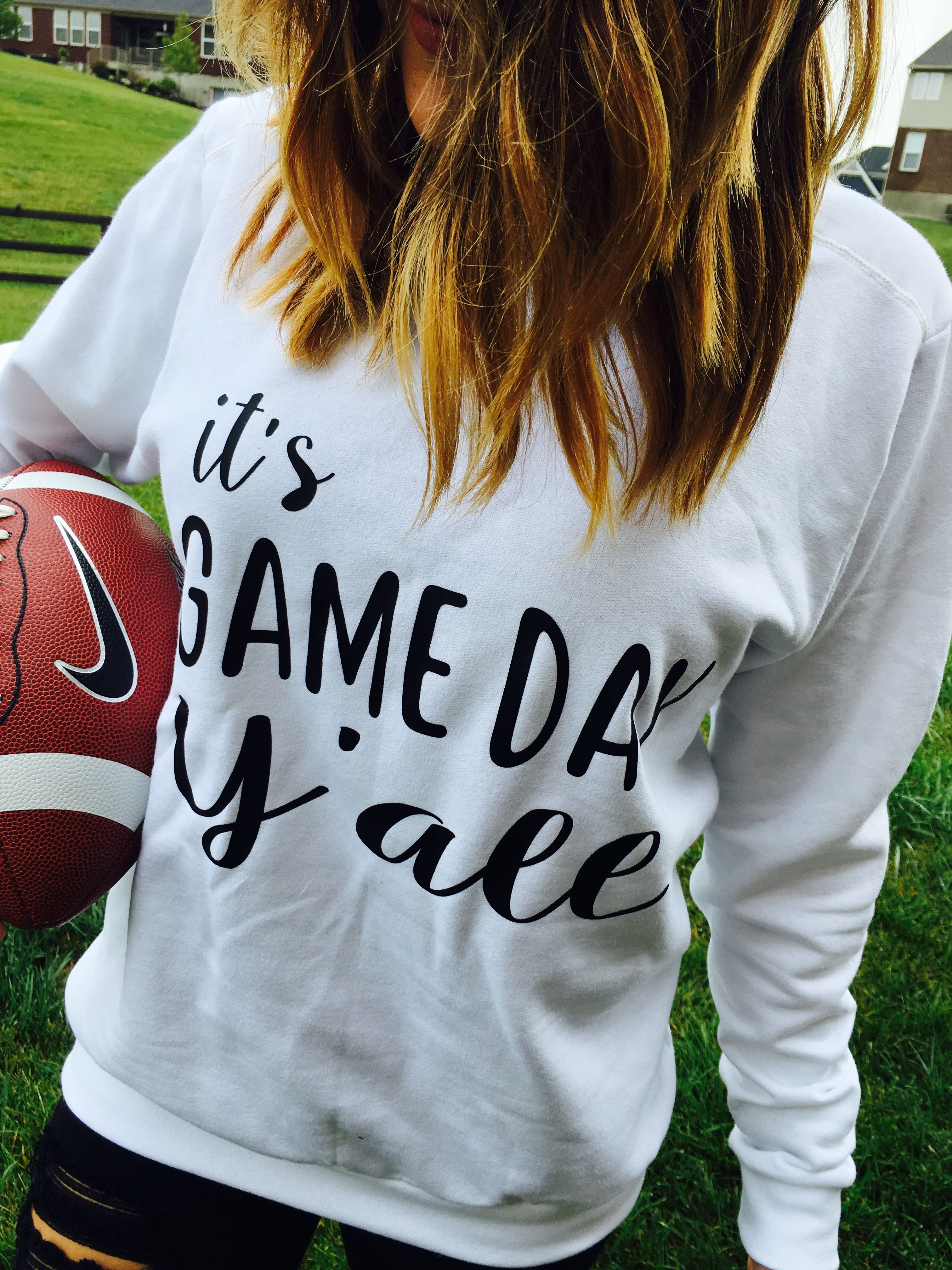 Be game day ready this football season. Gameday outfit