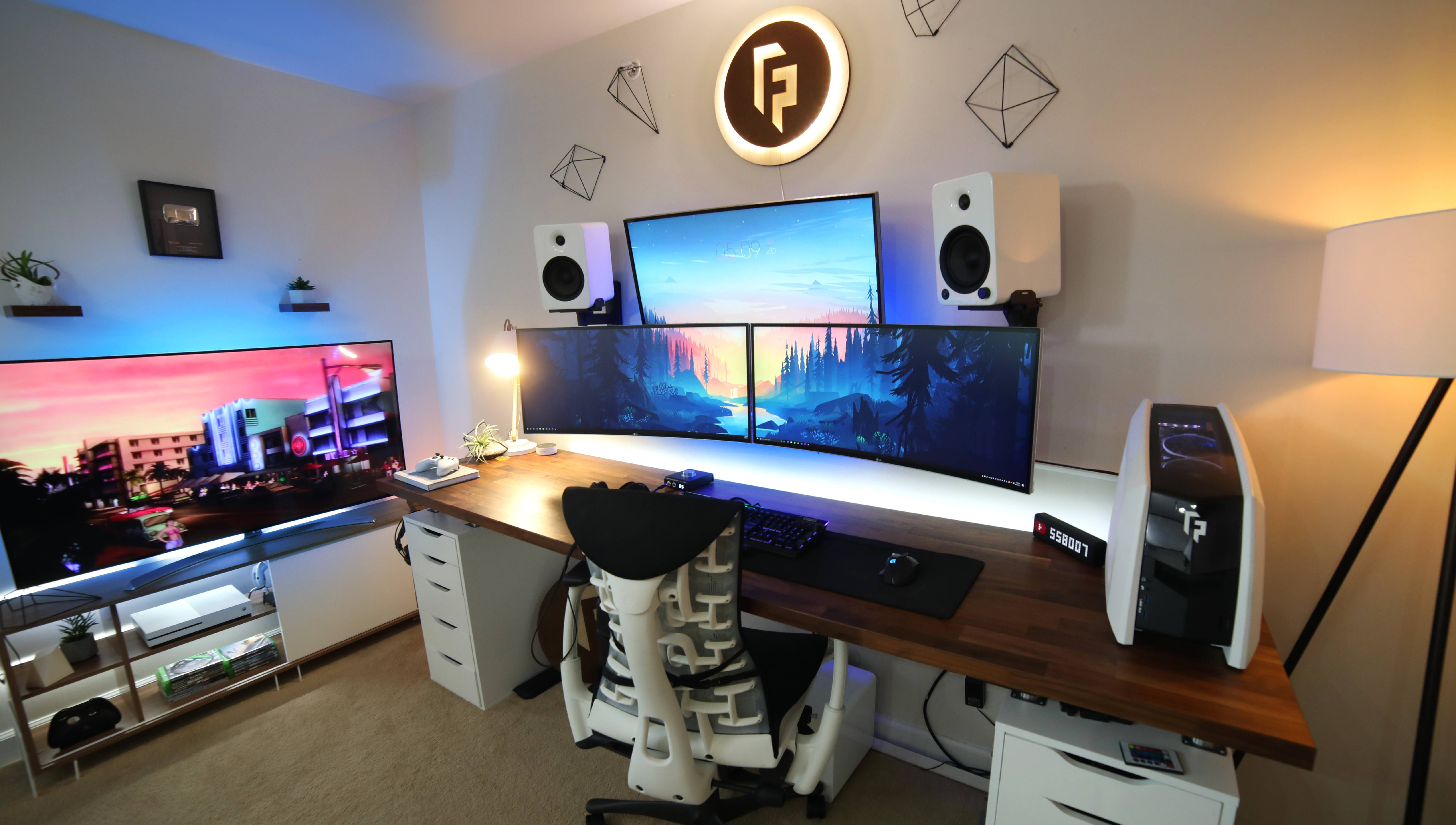 Cool Office Setups The Youtube Office Setup Technology 컴퓨터 방