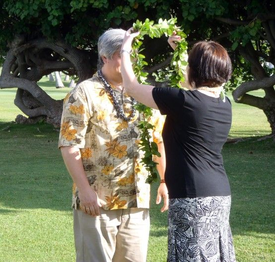 Waikiki Beach Wedding Ceremony: Vow Renewals At The Kahala Hotel & Resort