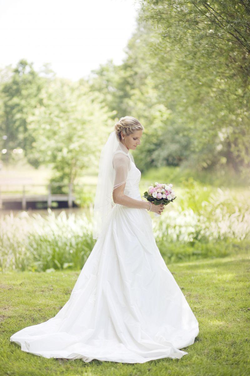 ♥ Marylise Brautkleid mit Schleier ♥ Ansehen: http://www ...