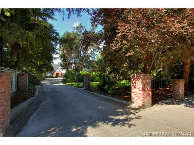 A Hidden Driveway That Leads To A Beautiful And Secluded Home Kelowna Bc Coldwell Banker Horizon Realty 3 Real Estate Listings Real Estate Find Real Estate
