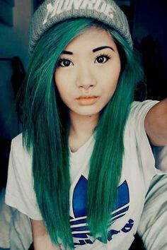 Awesome shade of green hair, actually a really pretty color