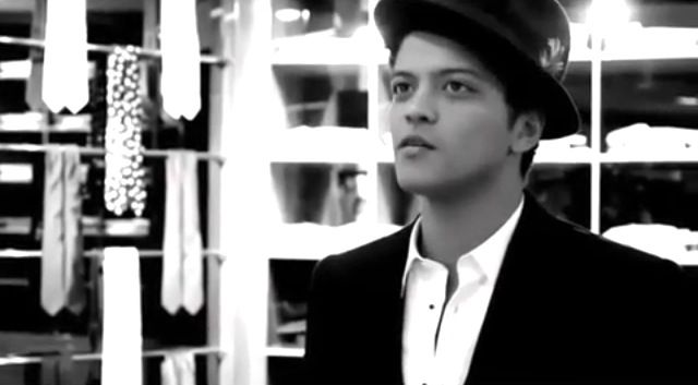 Pin by Victoria Mars on Bruno | Tv theme songs, Bruno mars