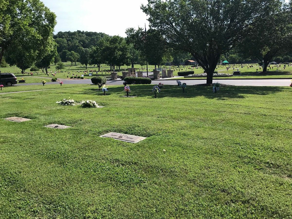 924e6278b7775f7ee30b741fb8348807 - Sharon Gardens Cemetery Plots For Sale