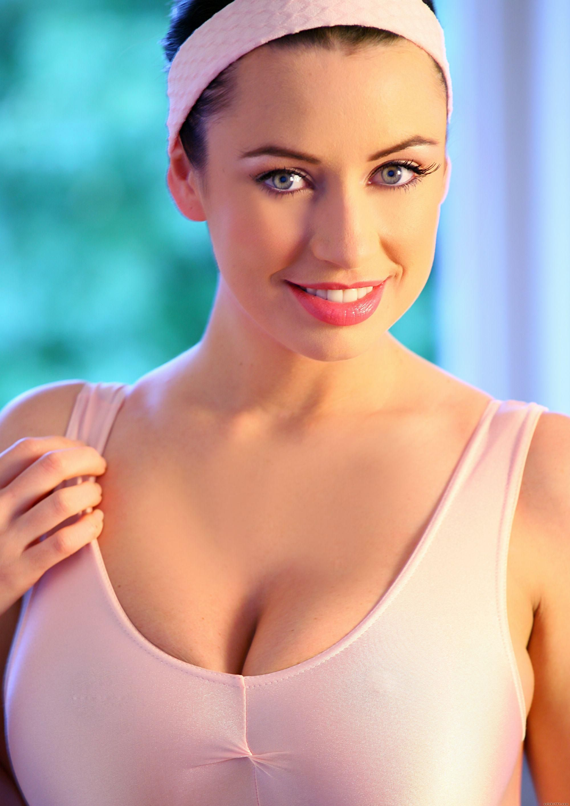 Sophie Howard nude 419