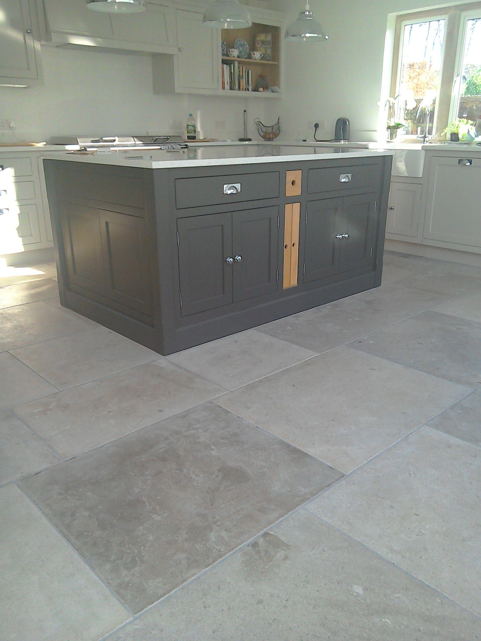 Manoir Grey French Limestone Flooring Natural Stone Consulting Grey Kitchen Floor Floor Tile Design Limestone Flooring