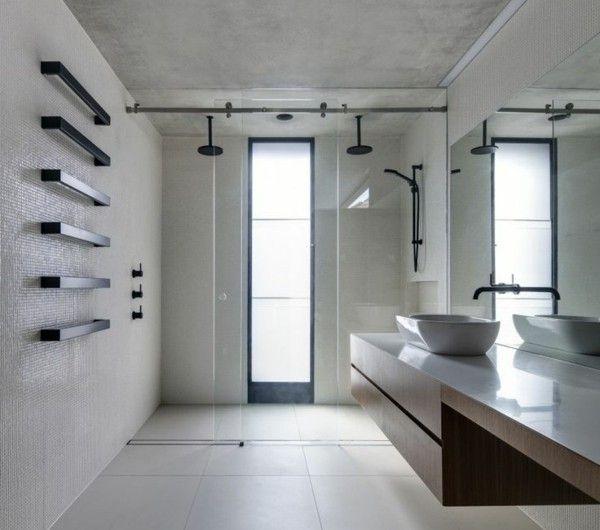 Badezimmer-Gestaltung-mit-modernem-schwarzem--Tuchhalter Bad