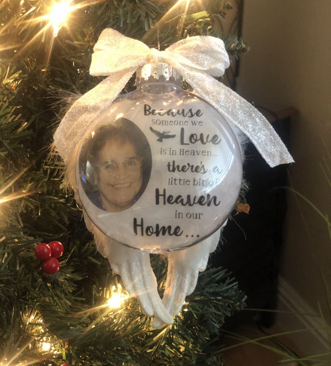 Floating Memory Ornament Remembrance Ornament Memory Etsy Clear Christmas Ornaments Picture Ornaments Memorial Ornaments