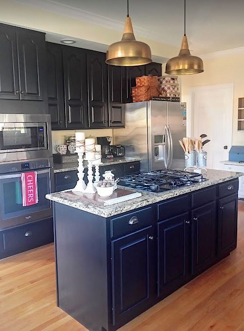 This homeowner\u0027s 25 year old kitchen makeover will show you it\u0027s