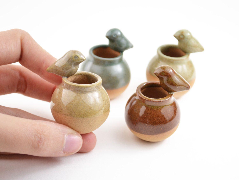 Miniature birdie vase - miniature vase, ceramic vase, dollhouse - several colors by cumbucachic on Etsy https://www.etsy.com/listing/243140897/miniature-birdie-vase-miniature-vase