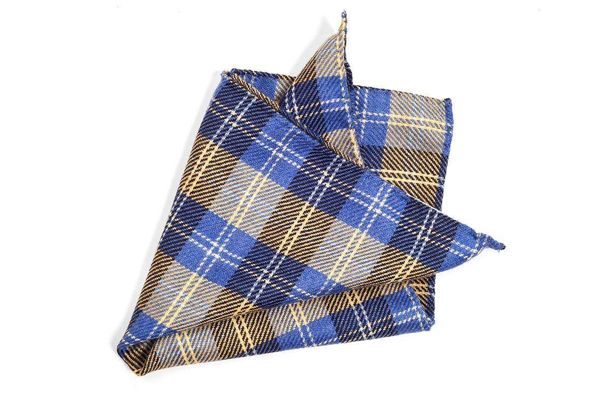 Wool Pocket Square by SOLOiO www.soloio.com @soloiomoda #SOLOiO #SOLOiOmoda #pocketsquere #pañuelodebolsillo #menstyle #modamasculina #maleaccesories #complementosmasculinos #plaidprint #plaid