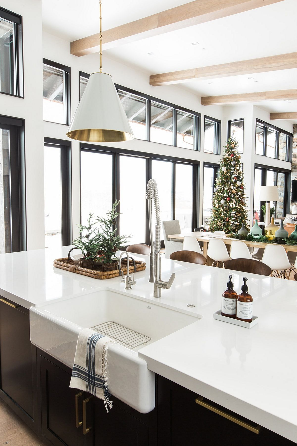 34 beautiful modern farmhouse kitchen sink designs beautiful home rh pinterest com Vintage Double Drainboard Kitchen Sink Small Kitchen Designs