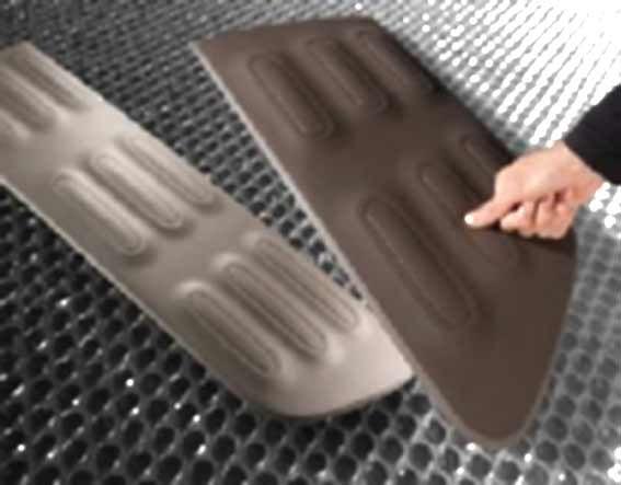 El poliuretano termoplástico (TPU), resistente a los rayos UV, se utiliza en amplias zonas del exterior del nuevo Citroën C4 Cactus