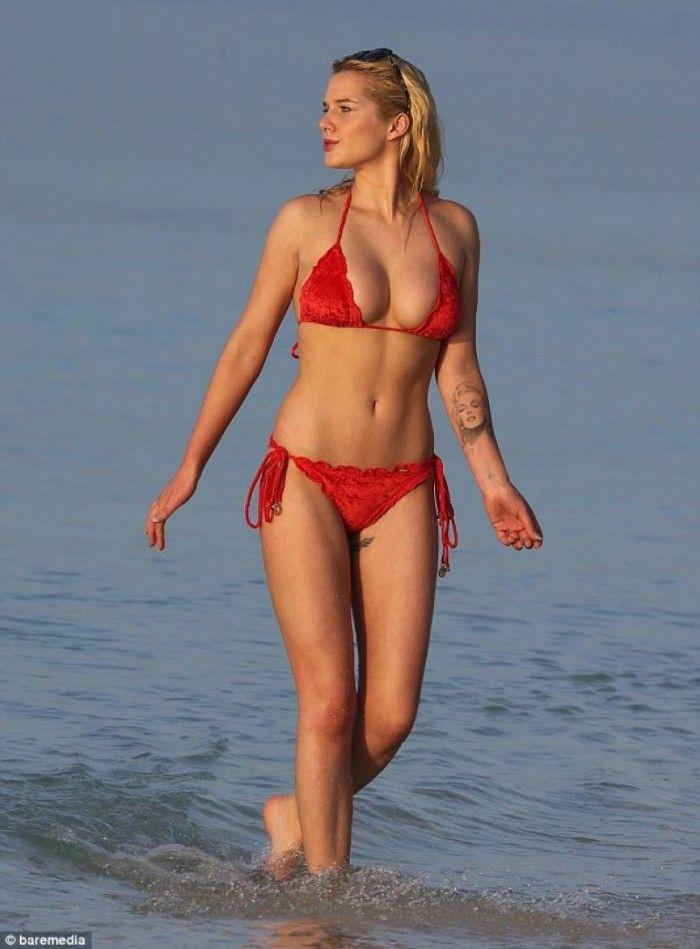 Swimsuit Elizabeth Webster nude (43 images) Ass, Twitter, swimsuit