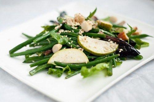 Салат из стручковой фасоли с грушами и дор-блю