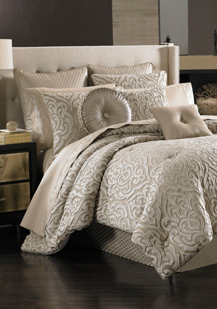 Astoria King Comforter Set 110 In X 96