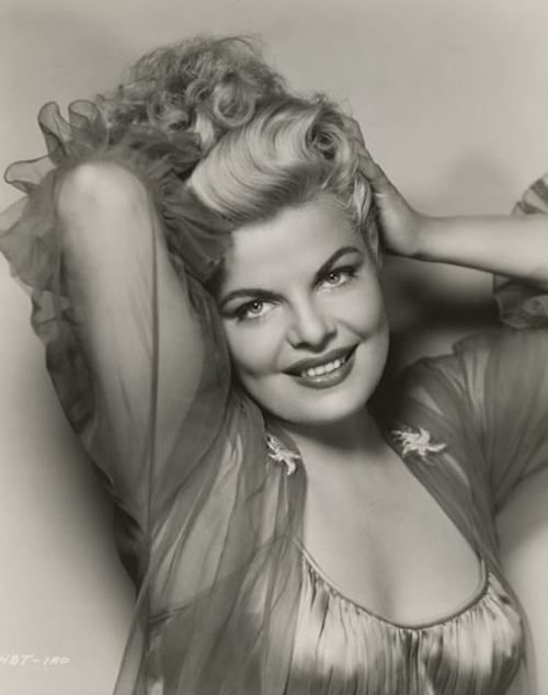 1950's Classic Hollywood Blonde Bombshell Cleo Moore ...