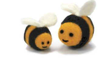 Amazon.com: Dimensions Needlecrafts Round and Wooly Bees Needle ...