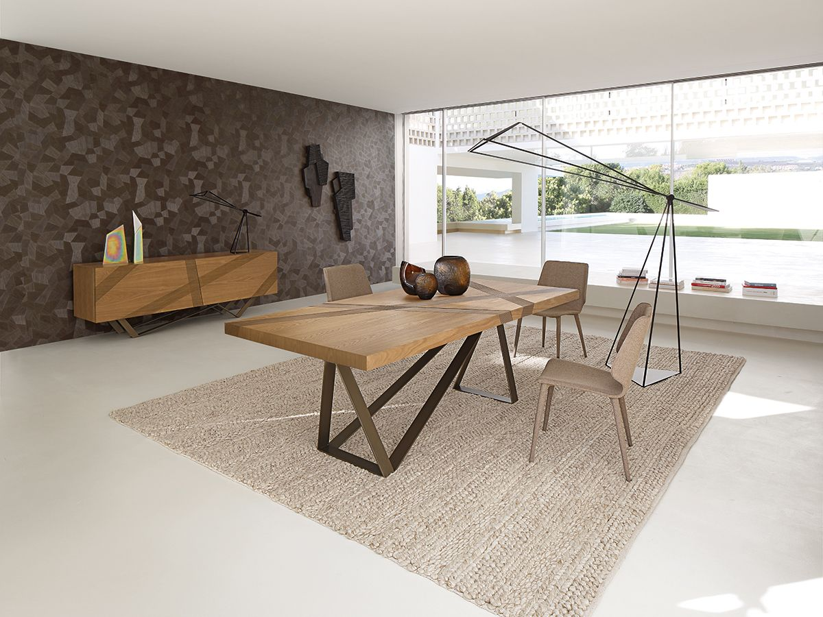 Pour Des Rencontres Chaleureuses La Table Track Design Luigi Gorgoni Plateau Plaque De Chen Table A Manger Contemporaine Table Repas Table A Manger En Chene