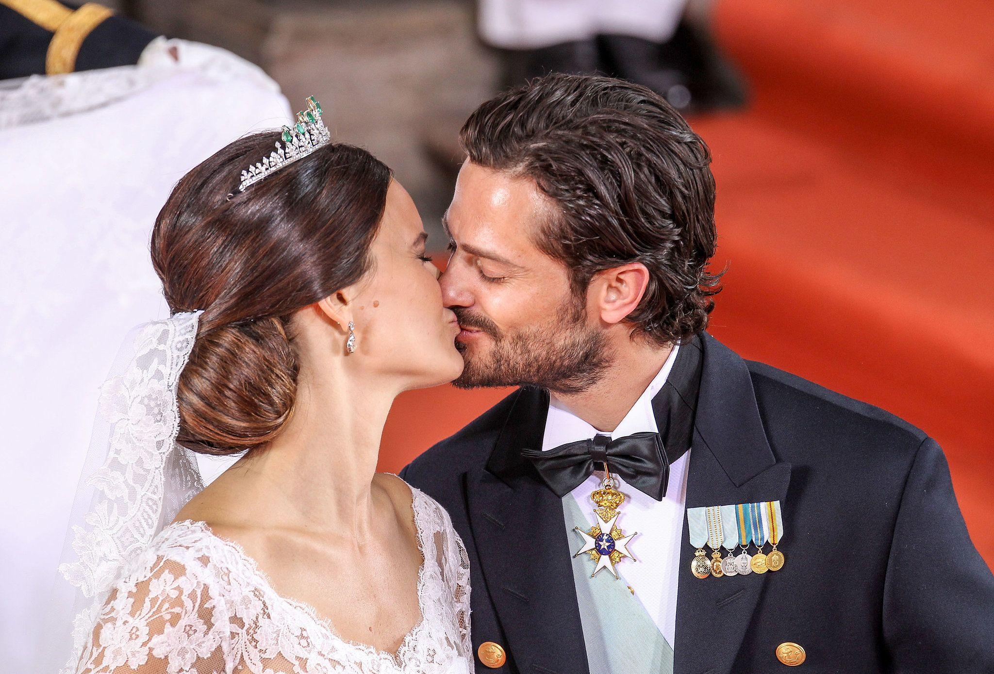 Prince Carl Philip Could Not Stop Kissing Princess Sofia at Their Romantic Wedding   Princess sofia of sweden, Prince carl philip, Princess sofia
