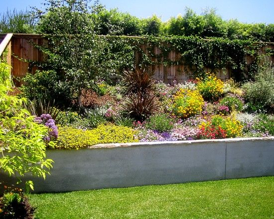 landscape on a hill design pictures remodel decor and ideas page 3 - Landscape Design Retaining Wall Ideas