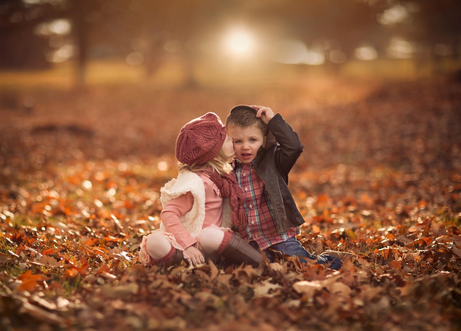 10 Cutest Children Love Kissing Images Cute Baby Couple Cute