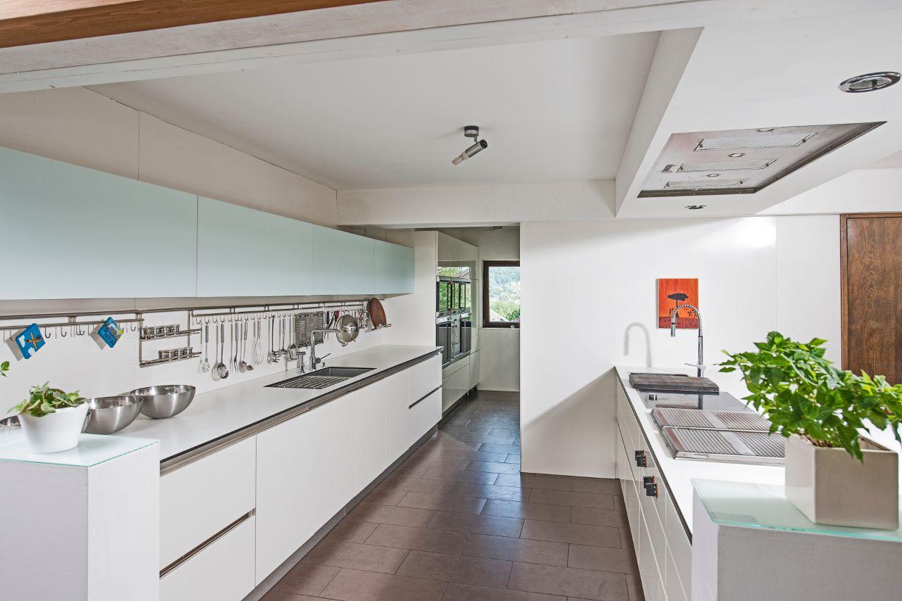 Diese schöne Next16 Küche mit Gaggenau Einbaugeräten steht in