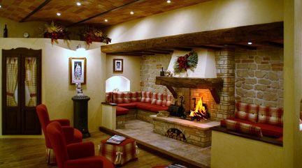 Camino In Pietra Rustico : Camino rustico pietra e mattoni. best soggiorno in stile in stile