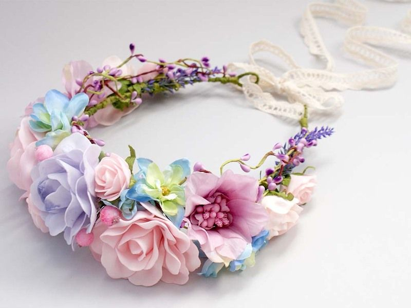 Blumenkrone / Blumenkranz / Haarblüten/ Elfenkrone von Lola White auf DaWanda.com #flowerheadwreaths