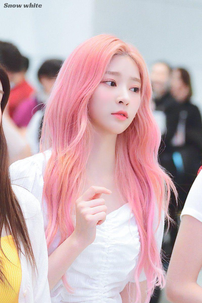 Kim Minju Pics On Twitter Girl With Pink Hair Pink Hair Kpop Girls