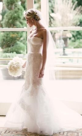 Monique Lhuillier Sonnet: buy this dress for a fraction of the salon price on PreOwnedWeddingDresses.com