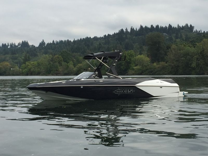 activeh2o com The Axis A24 is the largest boat in the 2018
