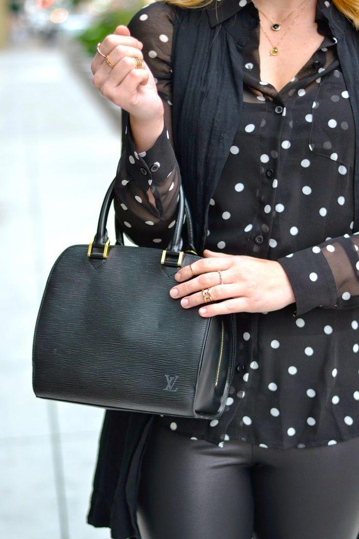 42e5cb82b729 Louis Vuitton Pont Neuf in black epi leather