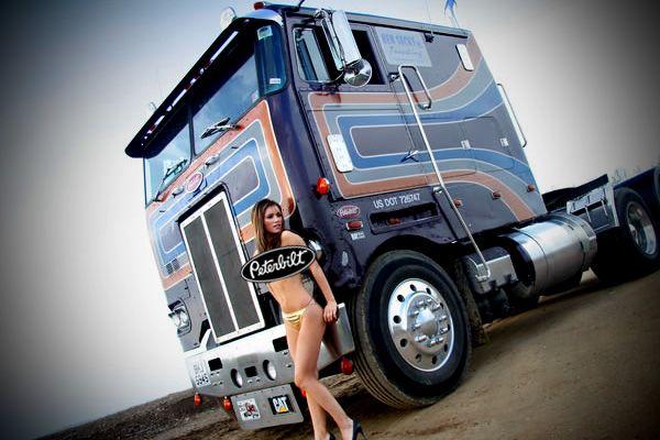 naked-girls-on-semi-trucks-hot-girl-bong