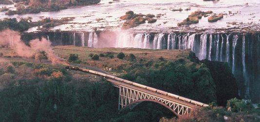 Il n'y a pas que l'Orient-Express et le Transsibérien. Voici d'autres lignes de train sublimes qui traversent l'Inde, l'Irlande, ou encore l'Afrique du Sud Cinq voyages de rêve à faire en train