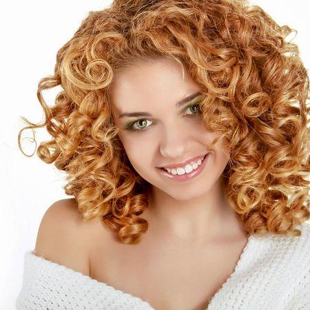 Schoner haarschnitt mit locken